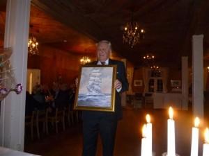Knut Bjerke overleverte gave fra Leangesund turistservice
